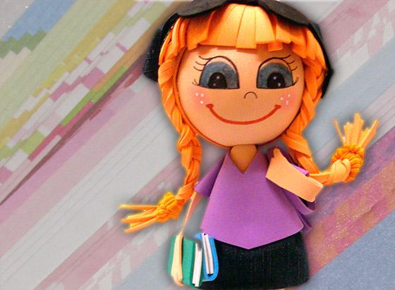 muñeca fofucha estudiante